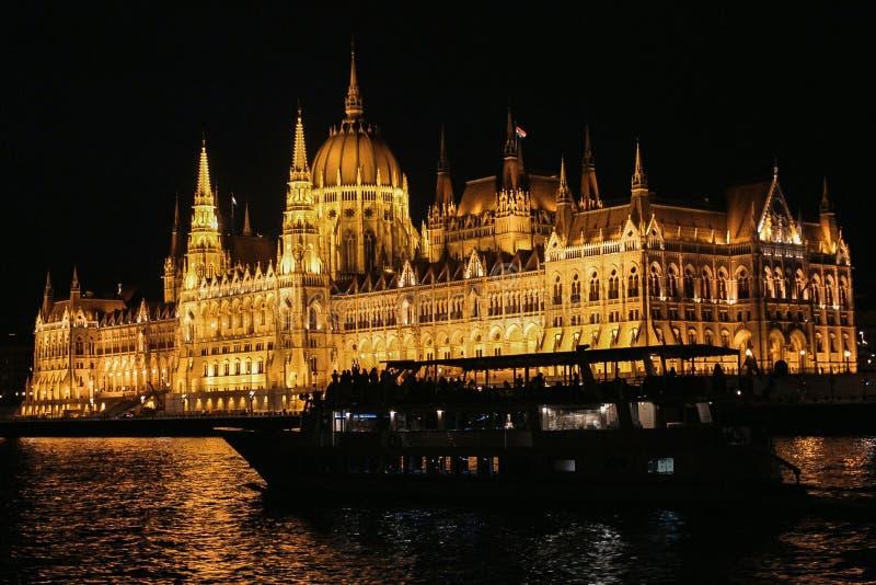 Il Parlamento di Budapest fotografie stock