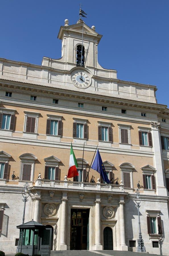 Il parlamento italiano a roma fotografia stock immagine for Roma parlamento
