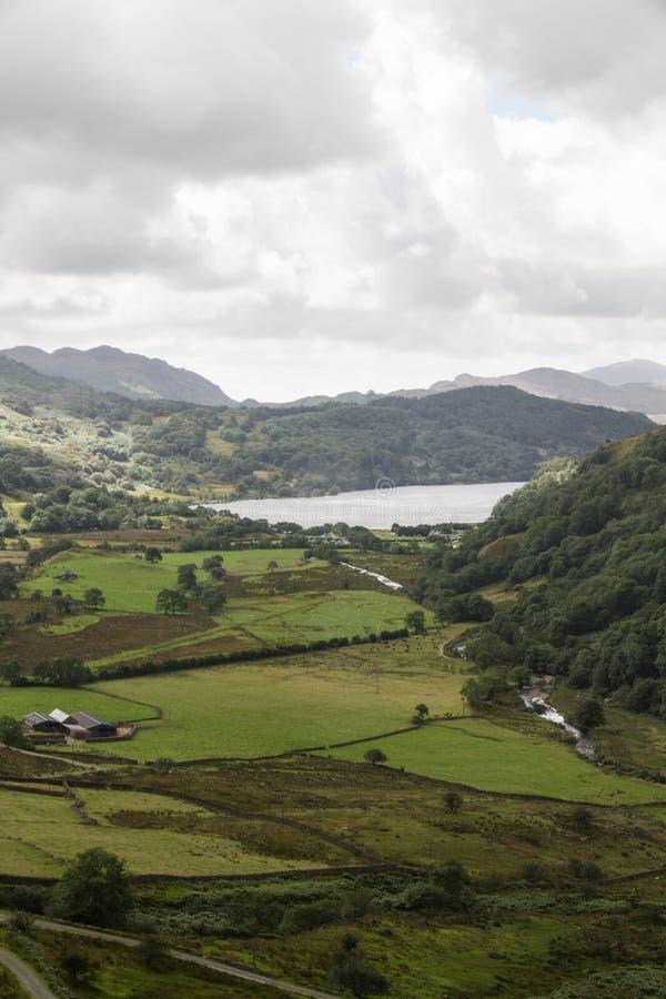 Il passaggio di Nant Gwynant, valle in Galles immagine stock libera da diritti
