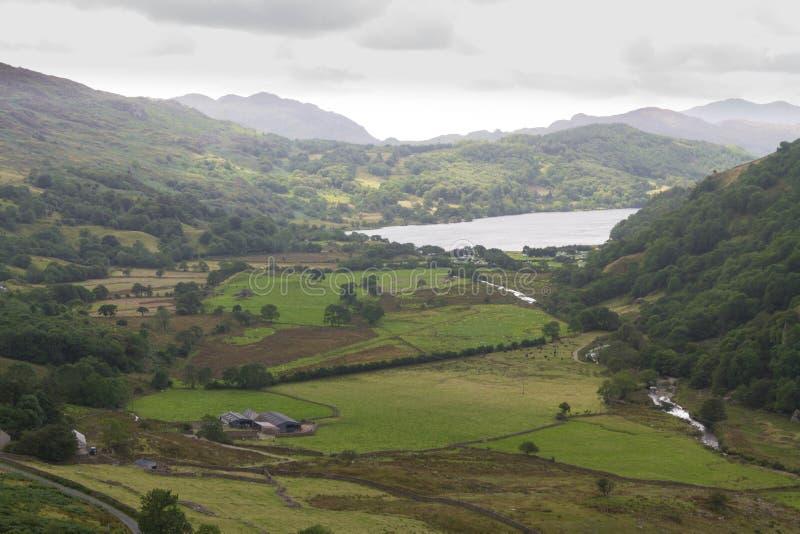 Il passaggio di Nant Gwynant, valle in Galles immagine stock
