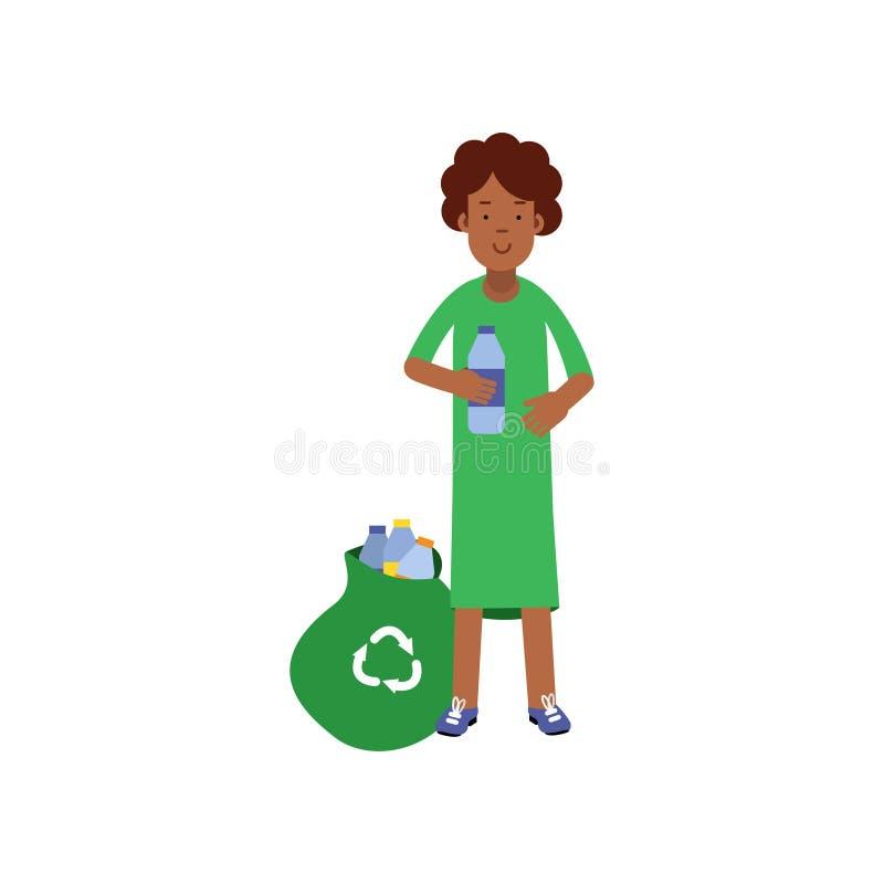 Il personaggio dei cartoni animati volontario della donna che raccoglie la plastica imbottiglia la borsa per il riciclaggio, conc royalty illustrazione gratis