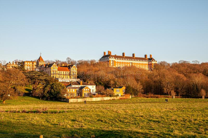Il Petersham Hotel e la Royal Star & Garter Home di Richmond immagini stock