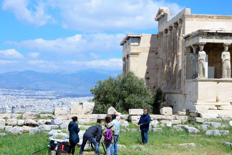 Il più vecchio tempio sull'acropoli, costruita in onore della protettrice divina della città - Hekatompedon atene fotografie stock libere da diritti