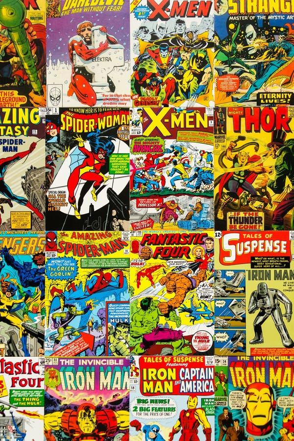 Il piano comico d'annata variopinto di vista superiore delle coperture di rivista pone la composizione immagine stock libera da diritti