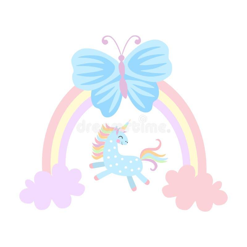 Il piccolo unicorno sta giocando fra le nuvole, grande farfalla blu sta sedendosi sull'arcobaleno isolato su fondo bianco nel vet royalty illustrazione gratis