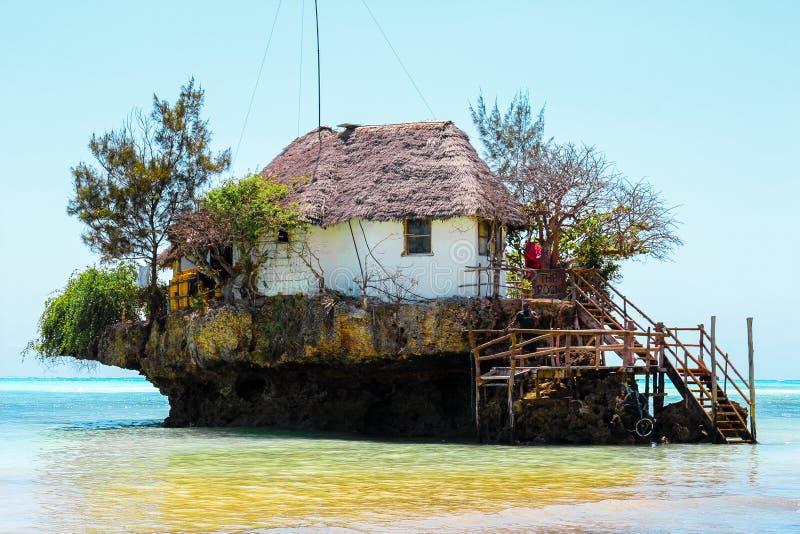 Il pingwe di Zanzibar del ristorante della roccia immagini stock libere da diritti