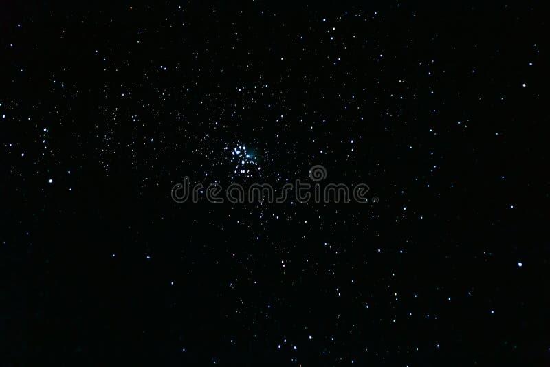 Il Pleiades, ammasso stellare aperto nella costellazione del Toro fotografia stock libera da diritti