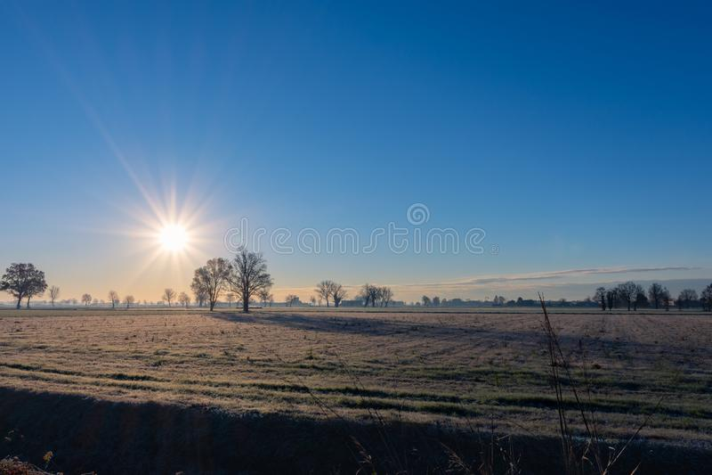 Il podeszwy riscalda il terreno ghiacciato zdjęcie royalty free