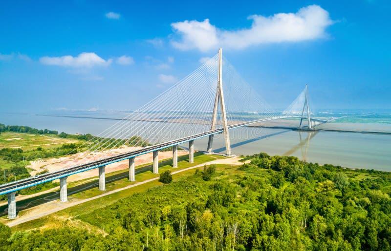 Il Pont de Normandie, un ponte della strada attraverso la Senna che collega le Havre a Honfleur in Normandia, Francia fotografie stock libere da diritti