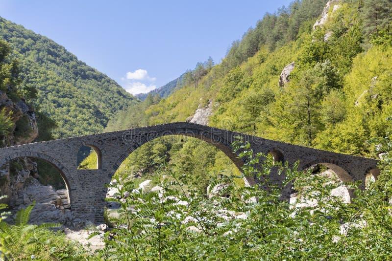 Il ponte del diavolo in Bulgaria, montagna di Rodopite fotografia stock libera da diritti
