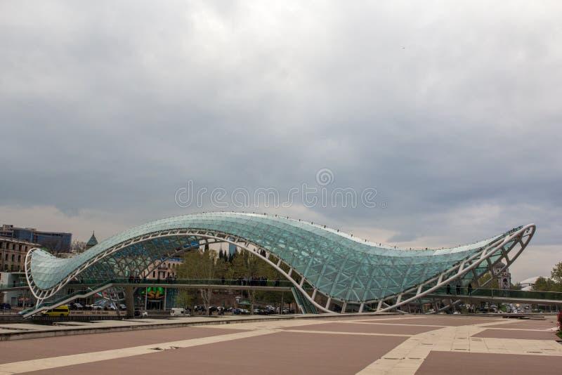 Il ponte del fiume Kura Georgia Tbilisi 2018 immagine stock