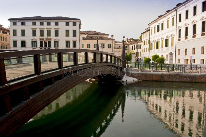 Il ponte dell'università a Treviso, Italia immagine stock