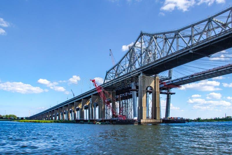 Il ponte di Goethals sopra Arthur Kill Connecting Staten Island e il NYC fotografia stock libera da diritti