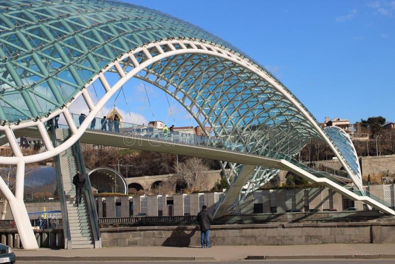 Il ponte di pace a Tbilisi, Georgia immagine stock