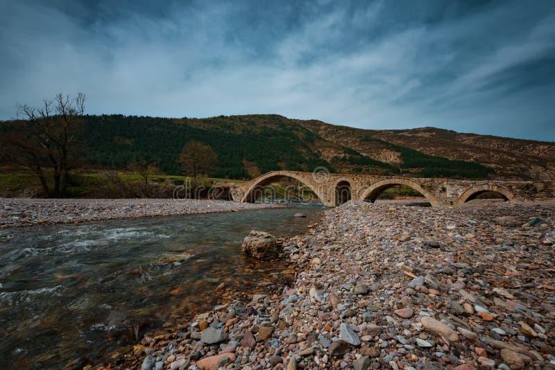 Il ponte romano, vicino al villaggio di Nenkovo, la Bulgaria fotografia stock libera da diritti
