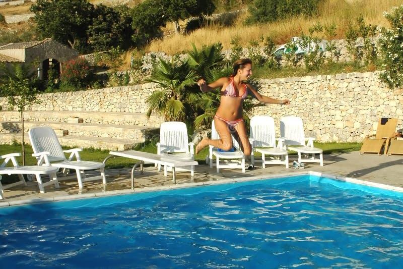 Download Il pool6 fotografia stock. Immagine di svago, vacanza, salto - 206084