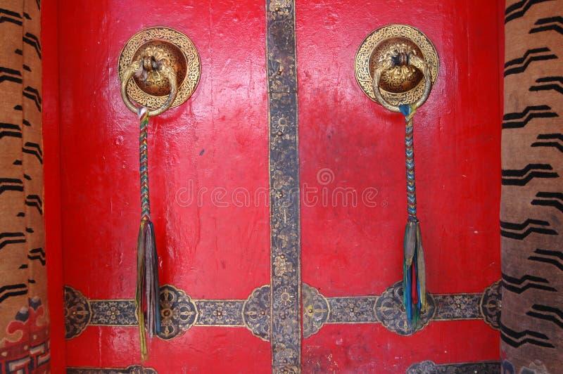 Il portello tibetano del tempiale fotografie stock libere da diritti