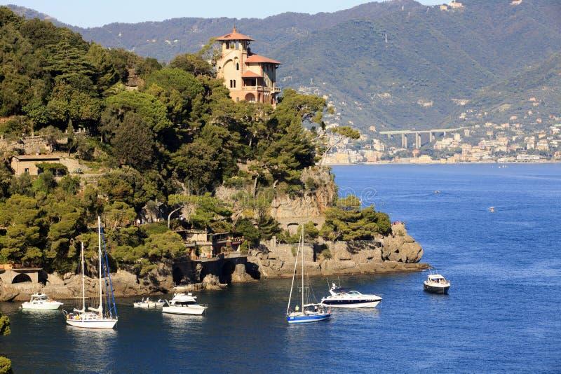 Il porto di Portofino nel villaggio di Portofino, Genova, Liguria, Italia fotografie stock libere da diritti
