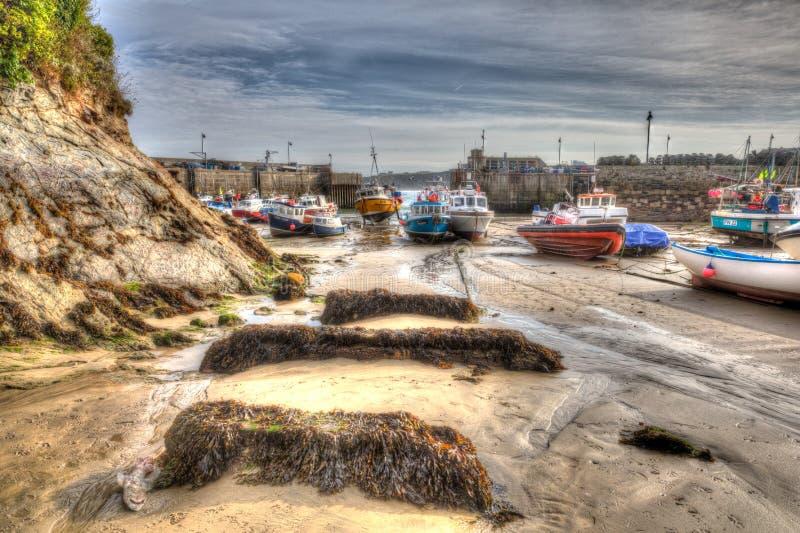 Il porto inglese Newquay Cornovaglia Inghilterra ad ovest del sud Regno Unito gradisce una pittura in HDR fotografie stock libere da diritti