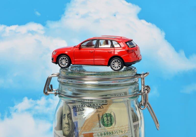 Il prestito per comprare un'automobile fotografia stock libera da diritti