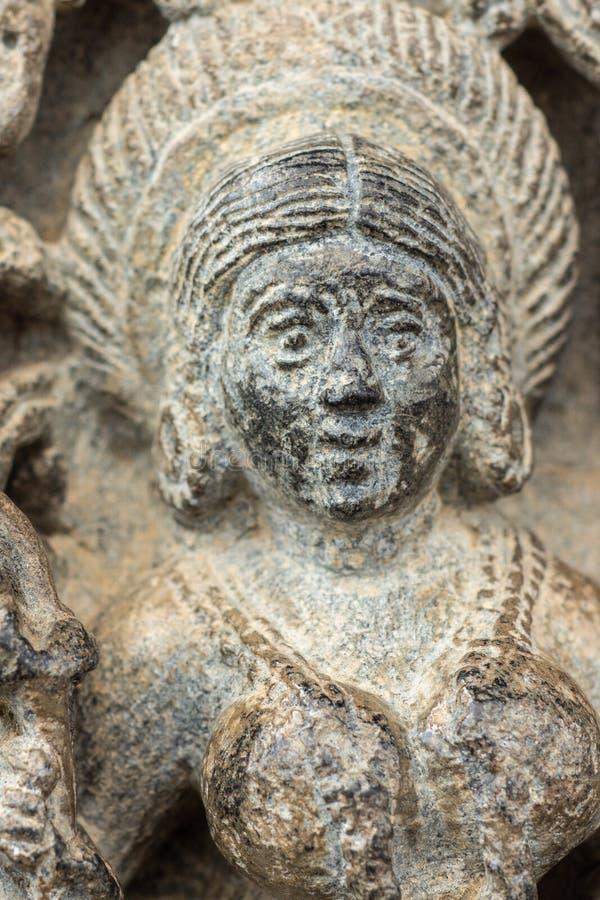 Il primo piano di Devi Lakshmi affronta al tempio di Chennakeshava in Belur, India immagini stock libere da diritti