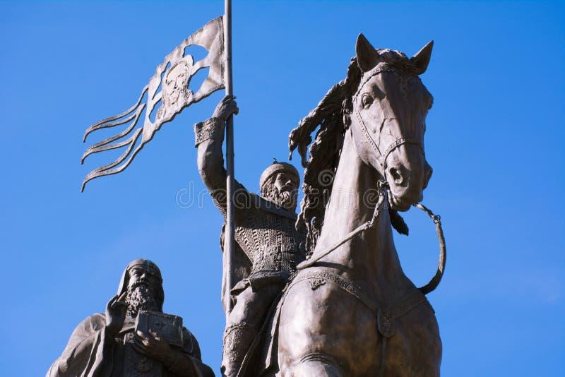 Il principe Vladimir ed il san Fyodor, città di Vladimir, Russia del monumento fotografia stock