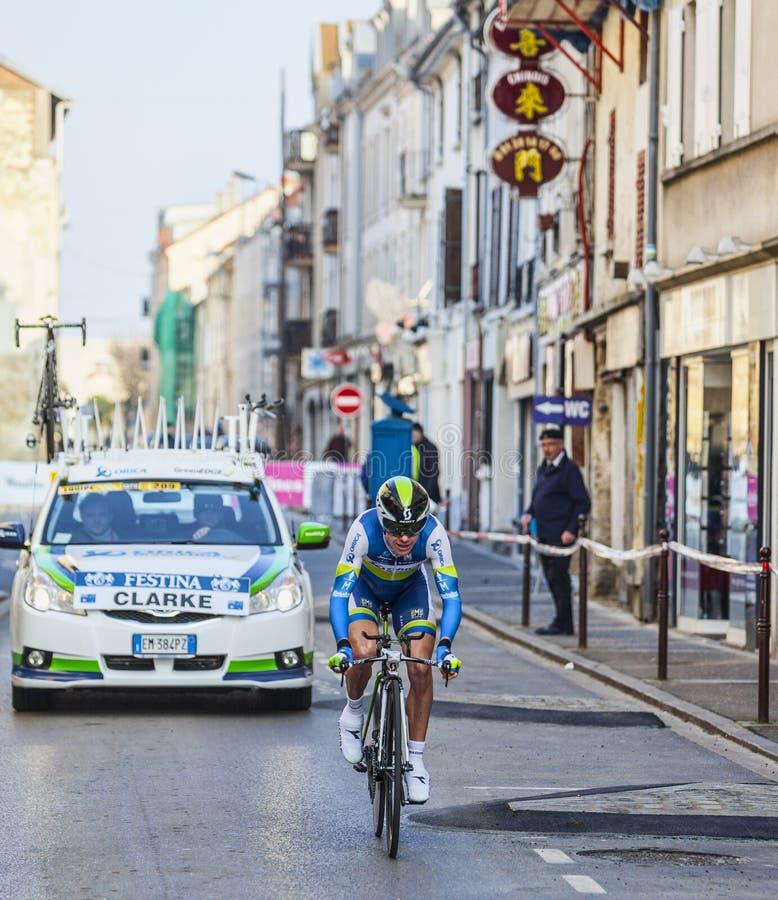 Il prologo 2013 di Clarke Simon Parigi del ciclista Nizza in Houilles