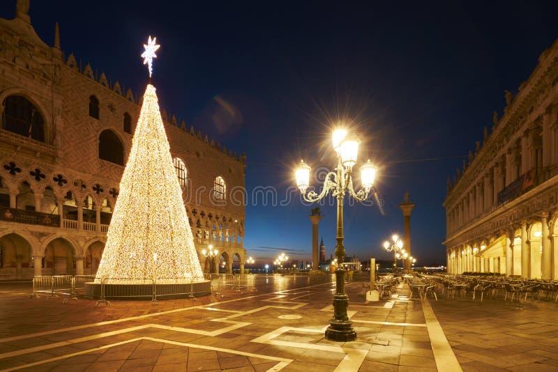 Il quadrato di St Mark della stella dell'albero di Natale immagine stock libera da diritti