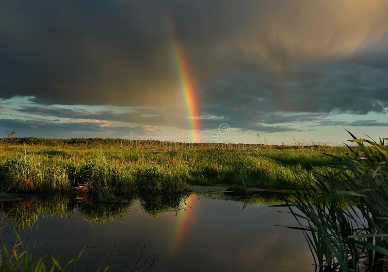 Il Rainbow Di Sera. Fotografie Stock Libere da Diritti
