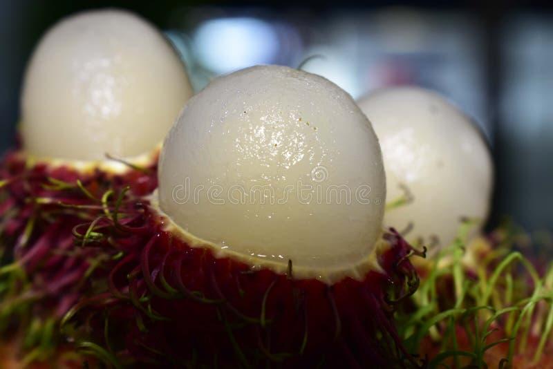 Il Rambutan è una frutta stagionale Cucinato, rosso, dolce, delizioso fotografie stock libere da diritti