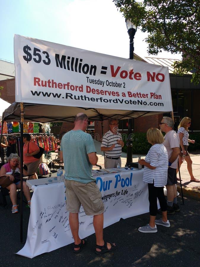 Il referendum, vota no, finanziamento della scuola, Rutherford, NJ, U.S.A. immagine stock
