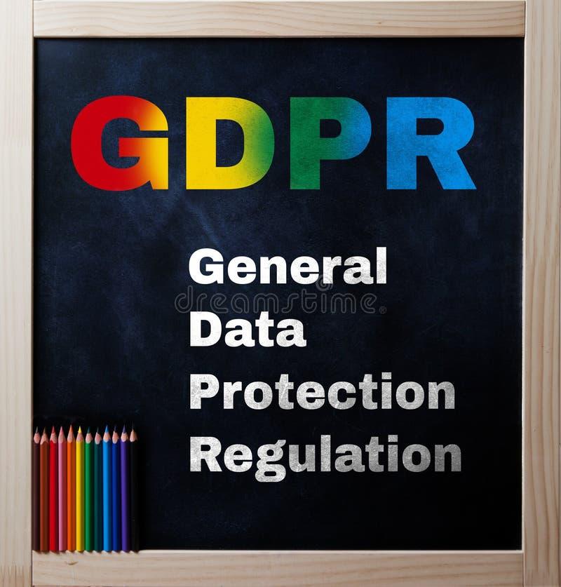 Il regolamento generale di protezione dei dati in arcobaleno colora il testo sul bl fotografia stock libera da diritti