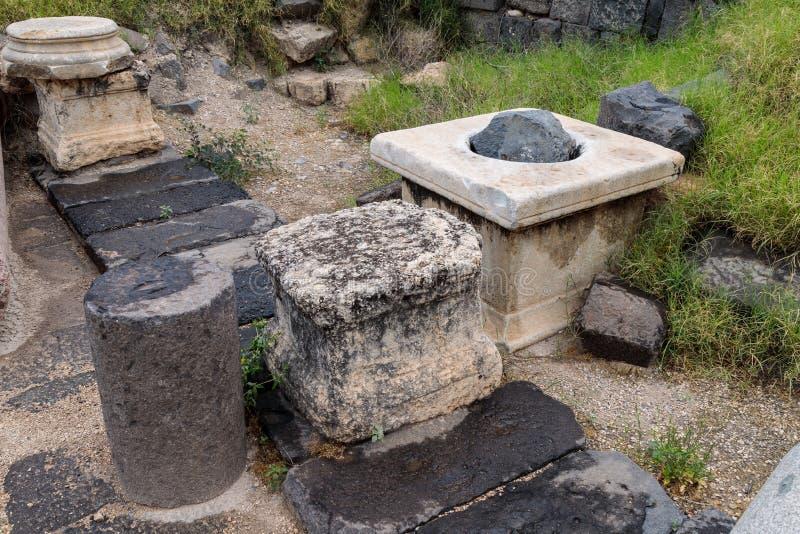 Il resti della colonna nelle rovine del Greco - città romana dello III secolo BC - l'ANNUNCIO del VIII secolo Hippus - Susita sul fotografia stock libera da diritti