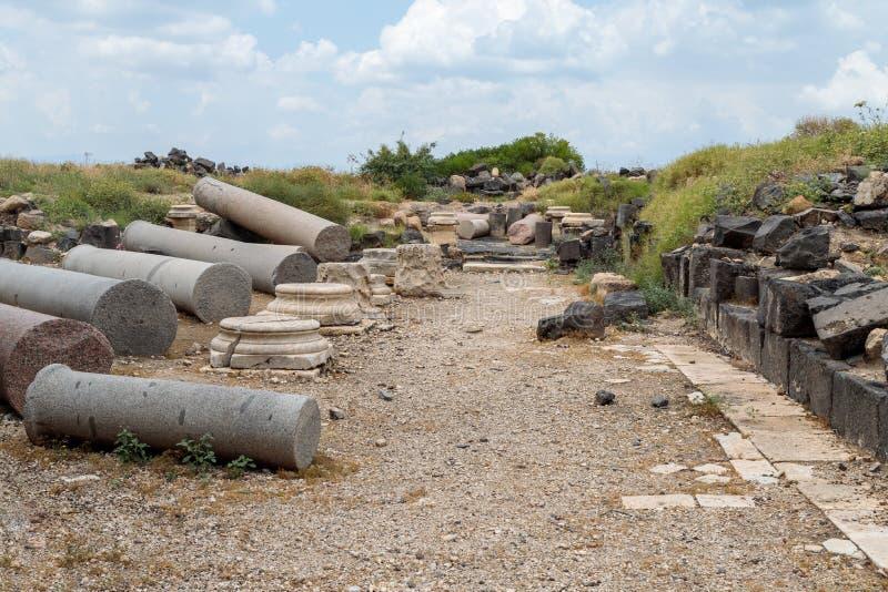 Il resti della colonna nelle rovine del Greco - città romana dello III secolo BC - l'ANNUNCIO del VIII secolo Hippus - Susita sul fotografia stock