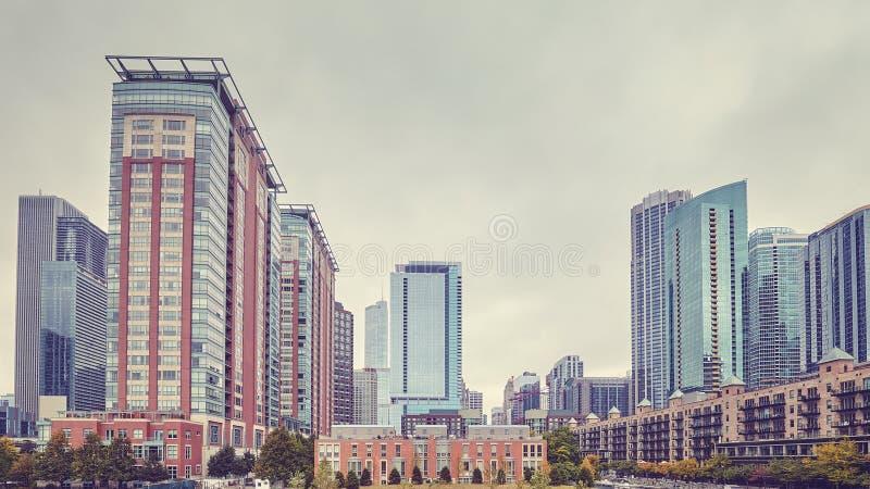 Il retro colore ha tonificato l'alta zona residenziale di aumento di Chicago fotografie stock libere da diritti
