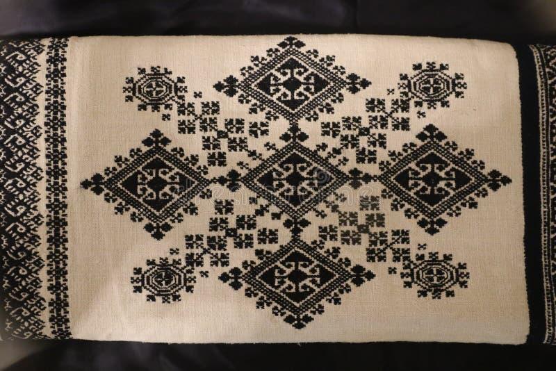 Il ricamo di Zmijanje ? una tecnica specifica praticata dalle donne dei villaggi di Zmijanje in Bosnia-Erzegovina immagine stock