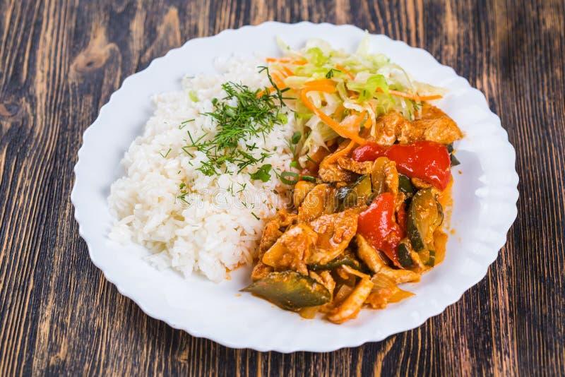 Il riso di cucina dell'alimento con chiken fotografie stock libere da diritti