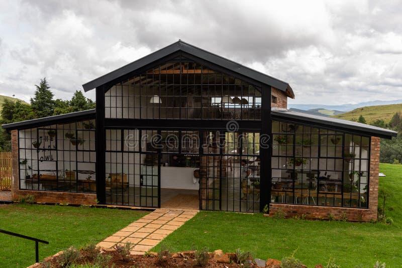 Il ristorante dei barbagianni in Natal Midlands fotografia stock libera da diritti