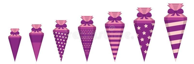 Il rosa ha modellato i coni della scuola nelle dimensioni differenti royalty illustrazione gratis