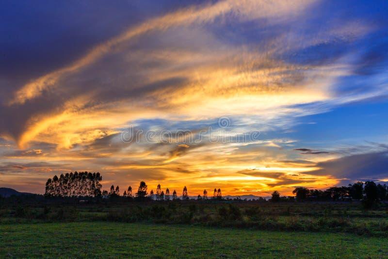 Il rosso del cielo, accende il cielo di sera fotografia stock libera da diritti