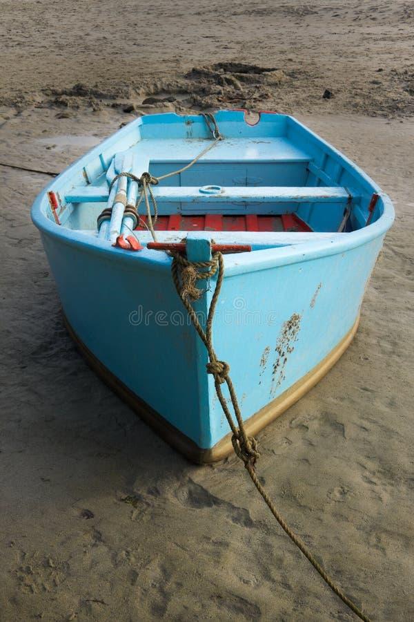Il rowboat blu fotografie stock