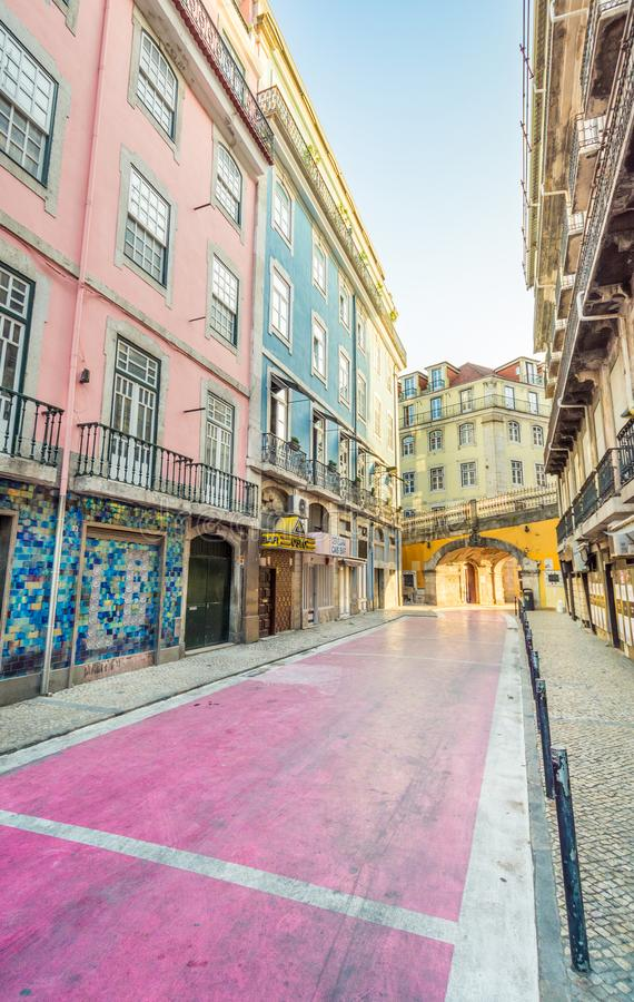 Il Rua variopinto de Sao Paulo a Lisbona, Portogallo fotografie stock