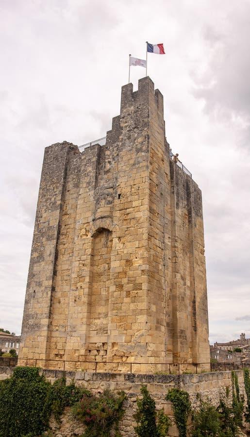 Il san Emillion è stato riconosciuto come luogo del patrimonio mondiale dall'Unesco Alcune delle vigne più fini della Francia son immagini stock