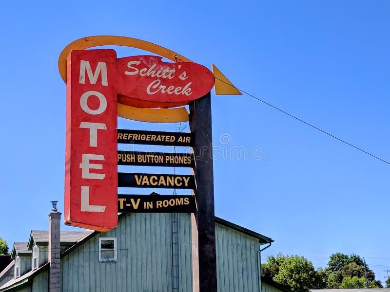 Il segno del motel dell'insenatura del ` s di Schitt come descritto nella serie televisiva dell'insenatura del ` s di Schitt fotografia stock
