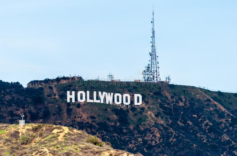 Il segno di Hollywood sul supporto Lee nell'area di Hollywood Hills di Santa Monica Mountains in California immagini stock
