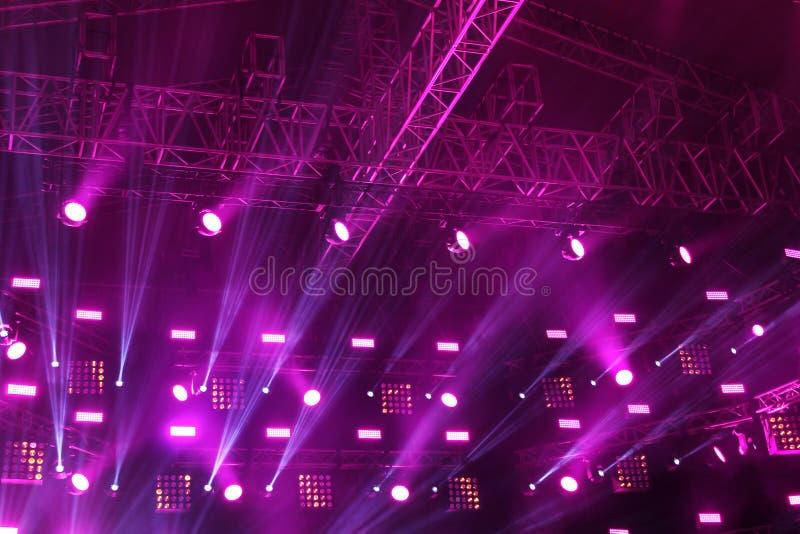 Il soffitto della fase del teatro durante il concerto fotografia stock