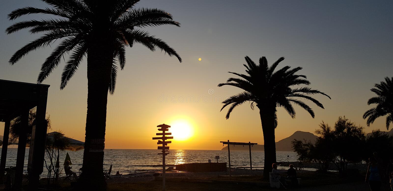 Il sole scende in Montenegro immagine stock libera da diritti