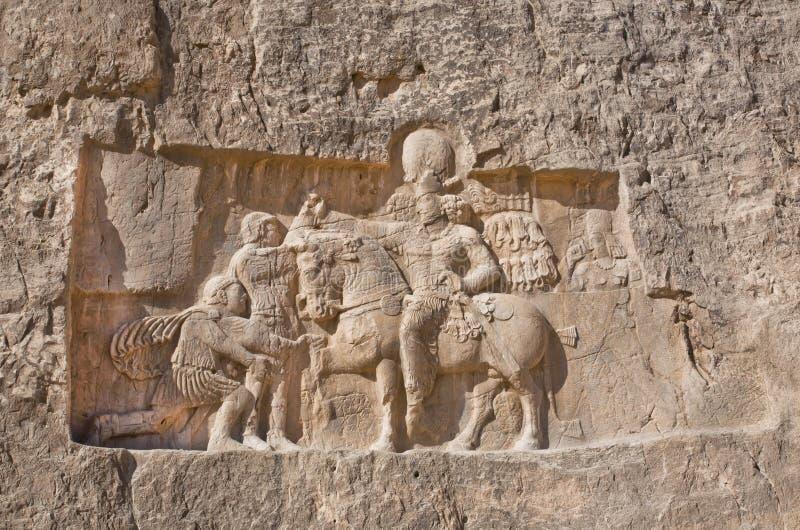 Il sollievo storico ha scolpito fra l'ANNUNCIO 239 - 70 circa il trionfo di re Shapur I le grande fotografie stock