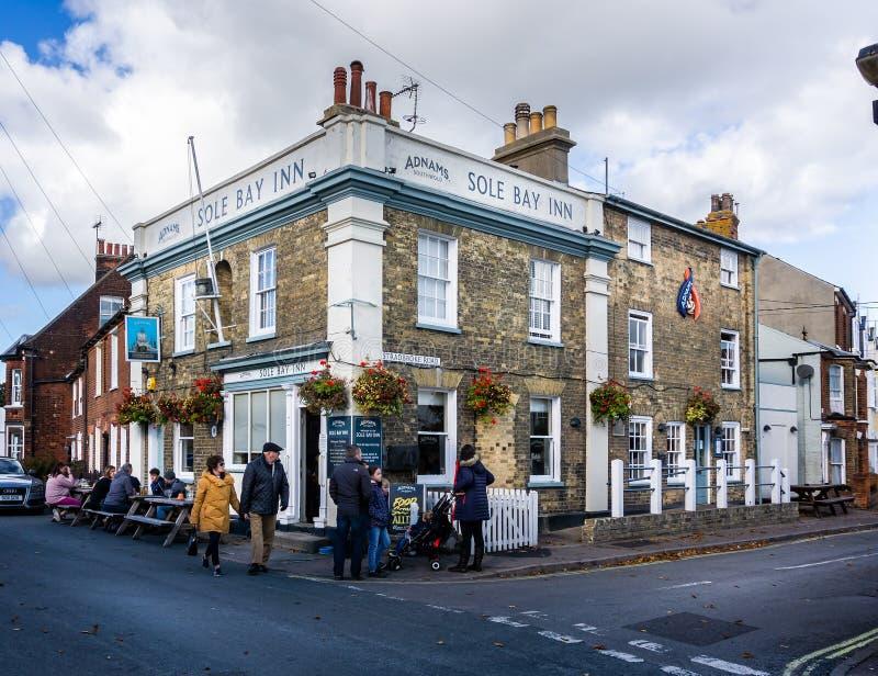 Il solo pub della locanda della baia in Southwold, Suffolk, Regno Unito immagini stock