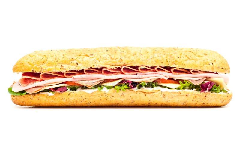 Il sommergibile del baguette dell'insalata di festività della carne fresca ha isolato fotografia stock libera da diritti